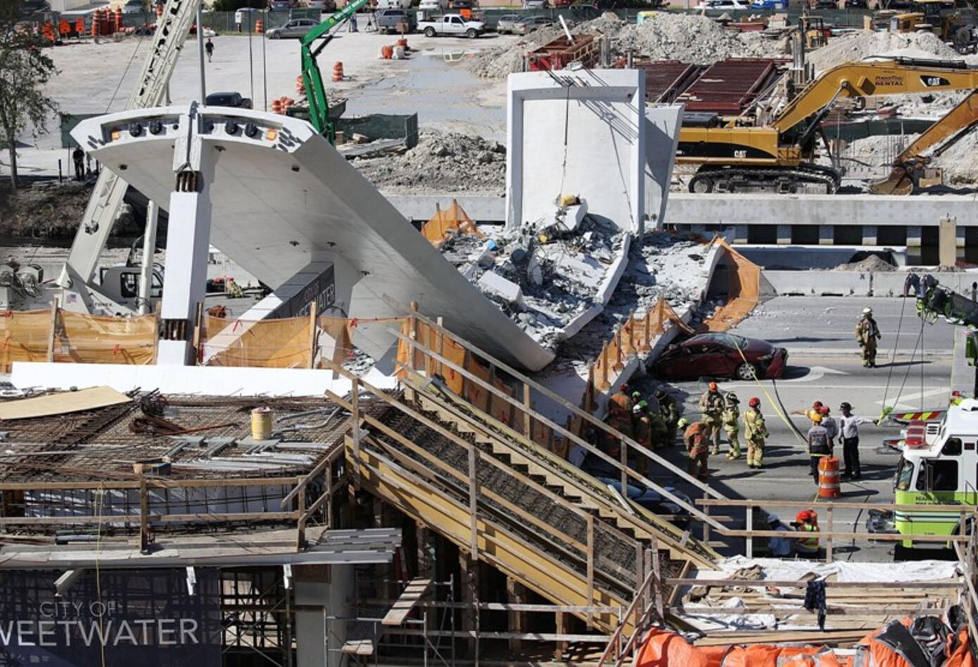 Colapso de puente peatonal en Miami deja al menos 10 heridos