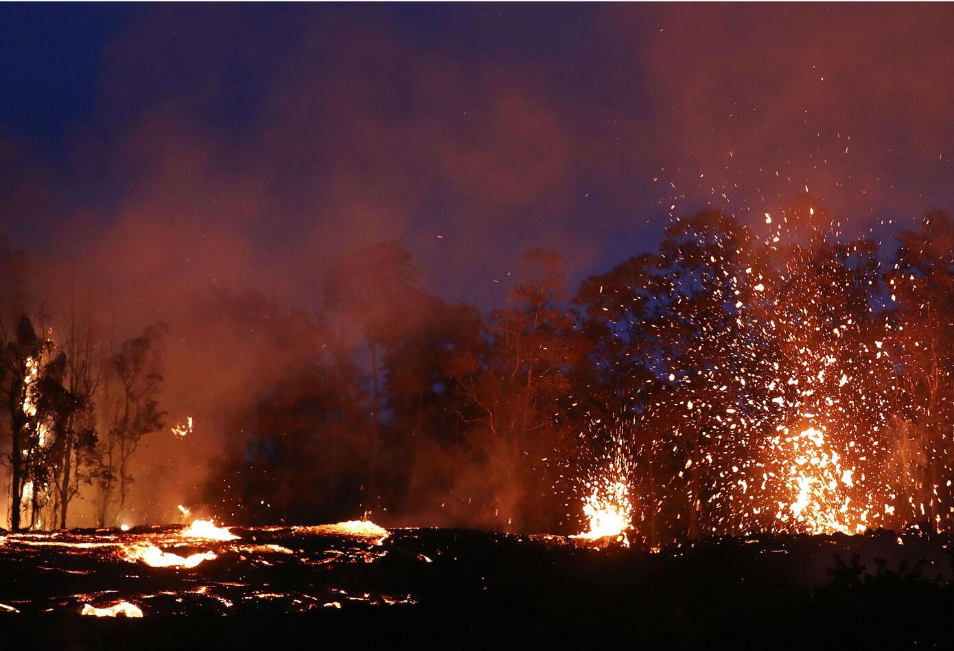 Erupción en volcán hawaiano Kilauea.