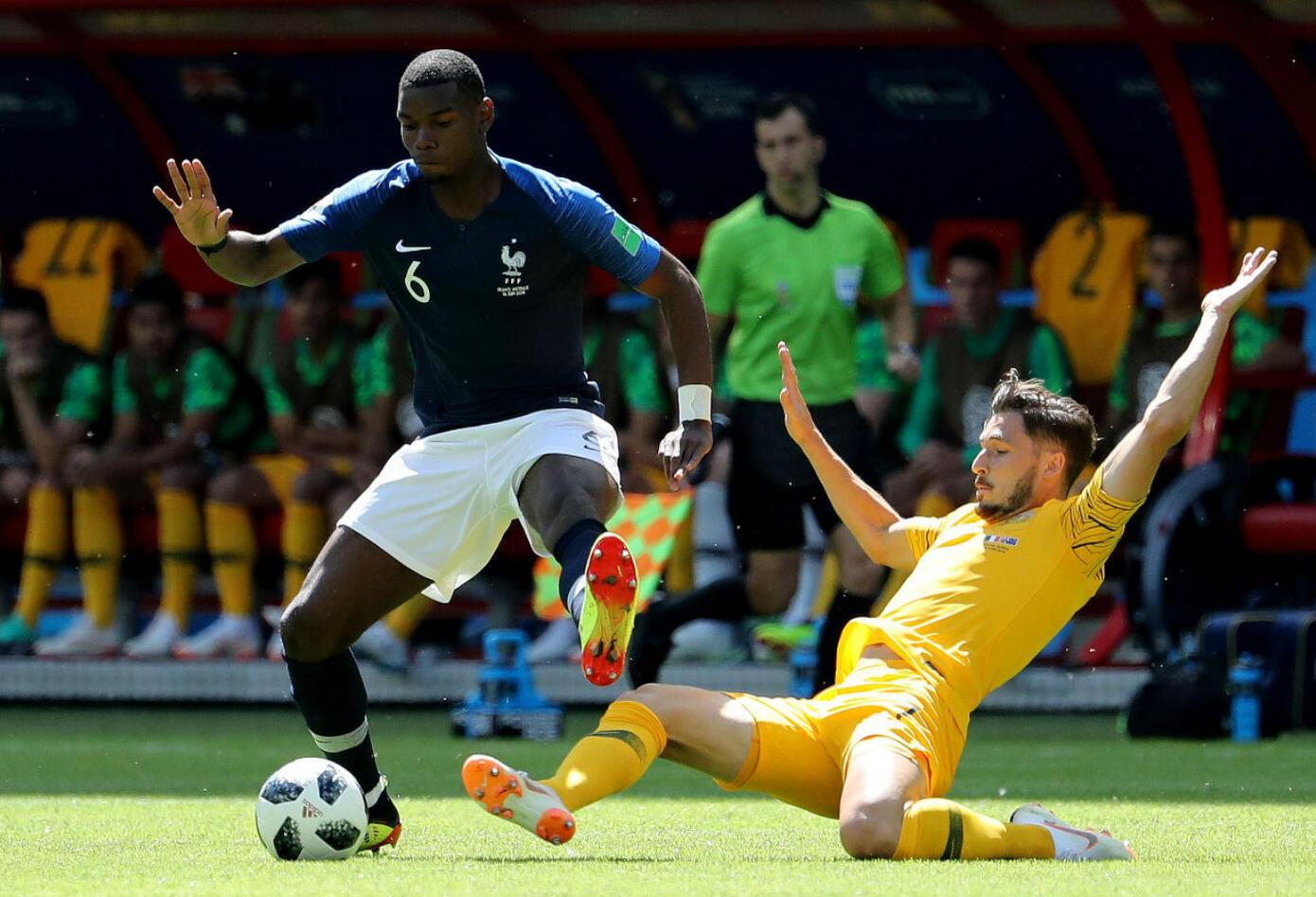 Mbappé en partido entre Francia y Australia