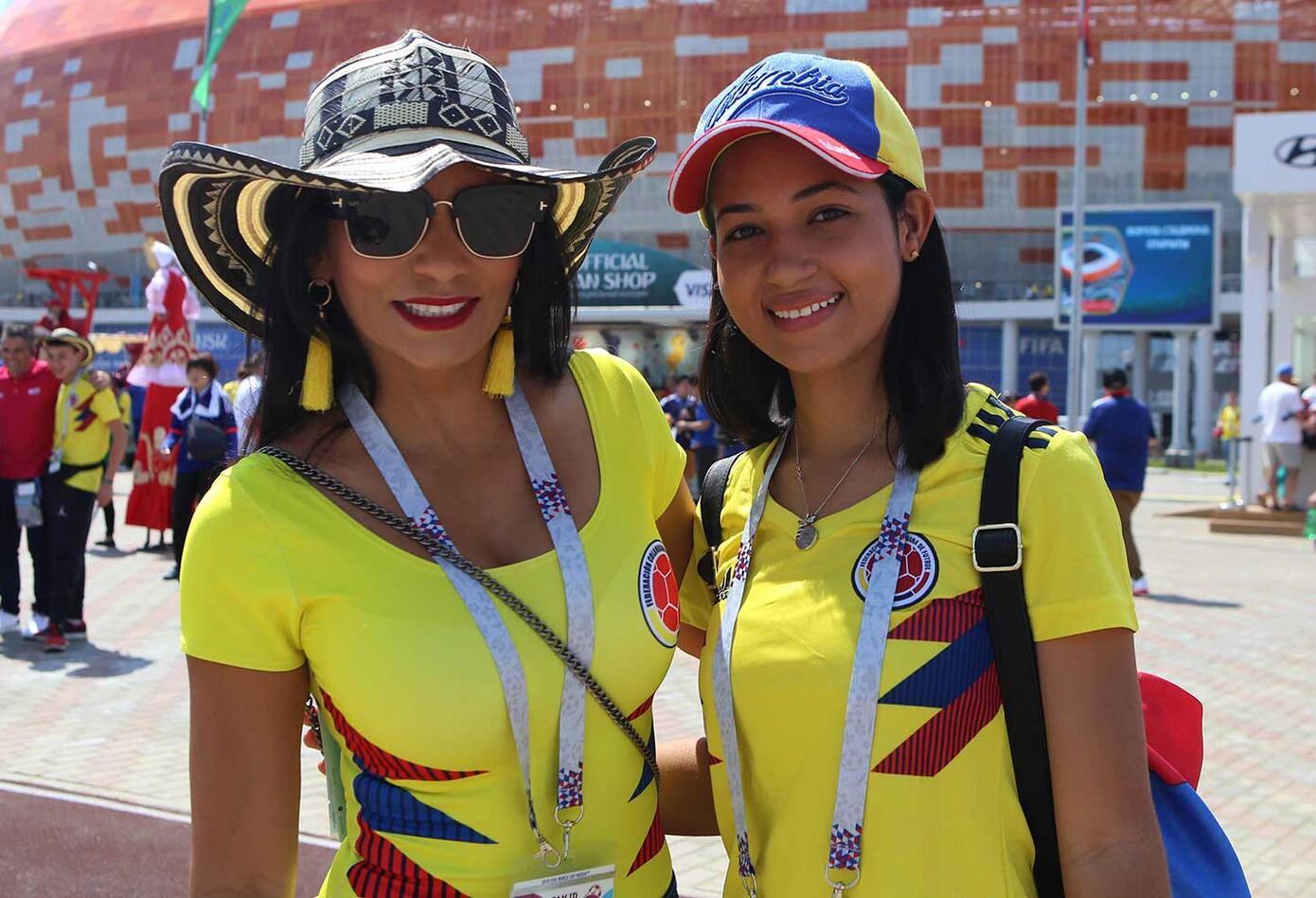 Hinchas colombianas en Saranks