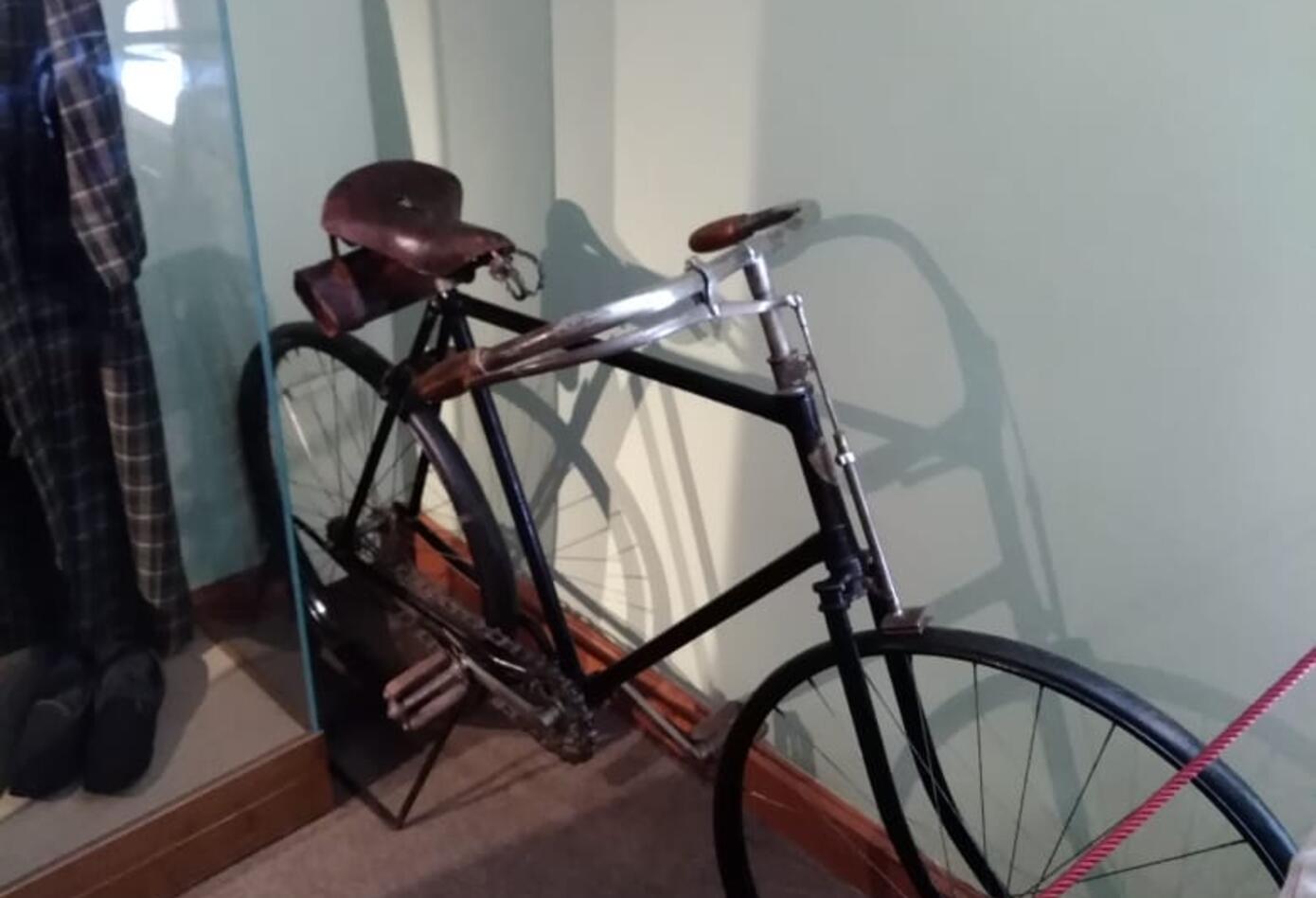 La bicicleta del escritor ruso León Tolstoi, en Rusia.