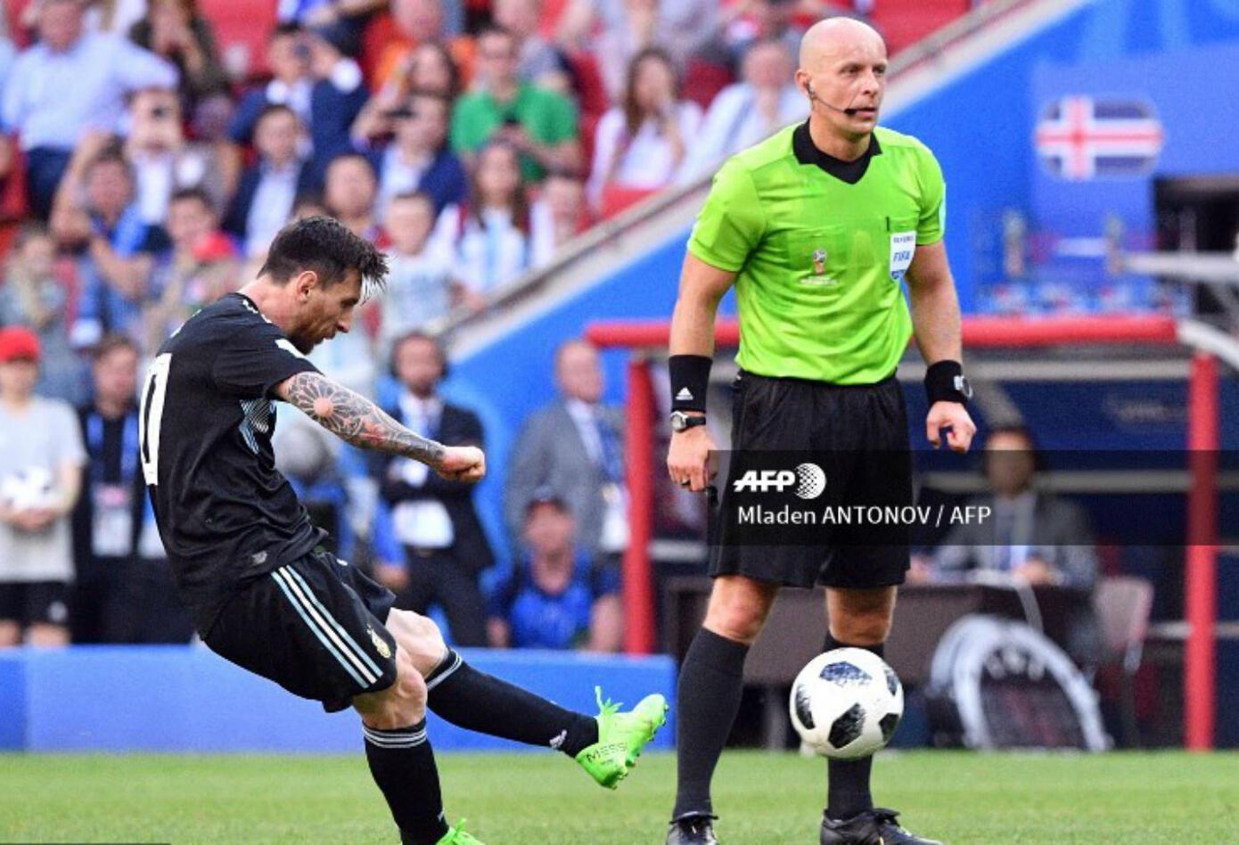 Lionel Messi pateó el penal que fue tapado por Hannes Halldórsson