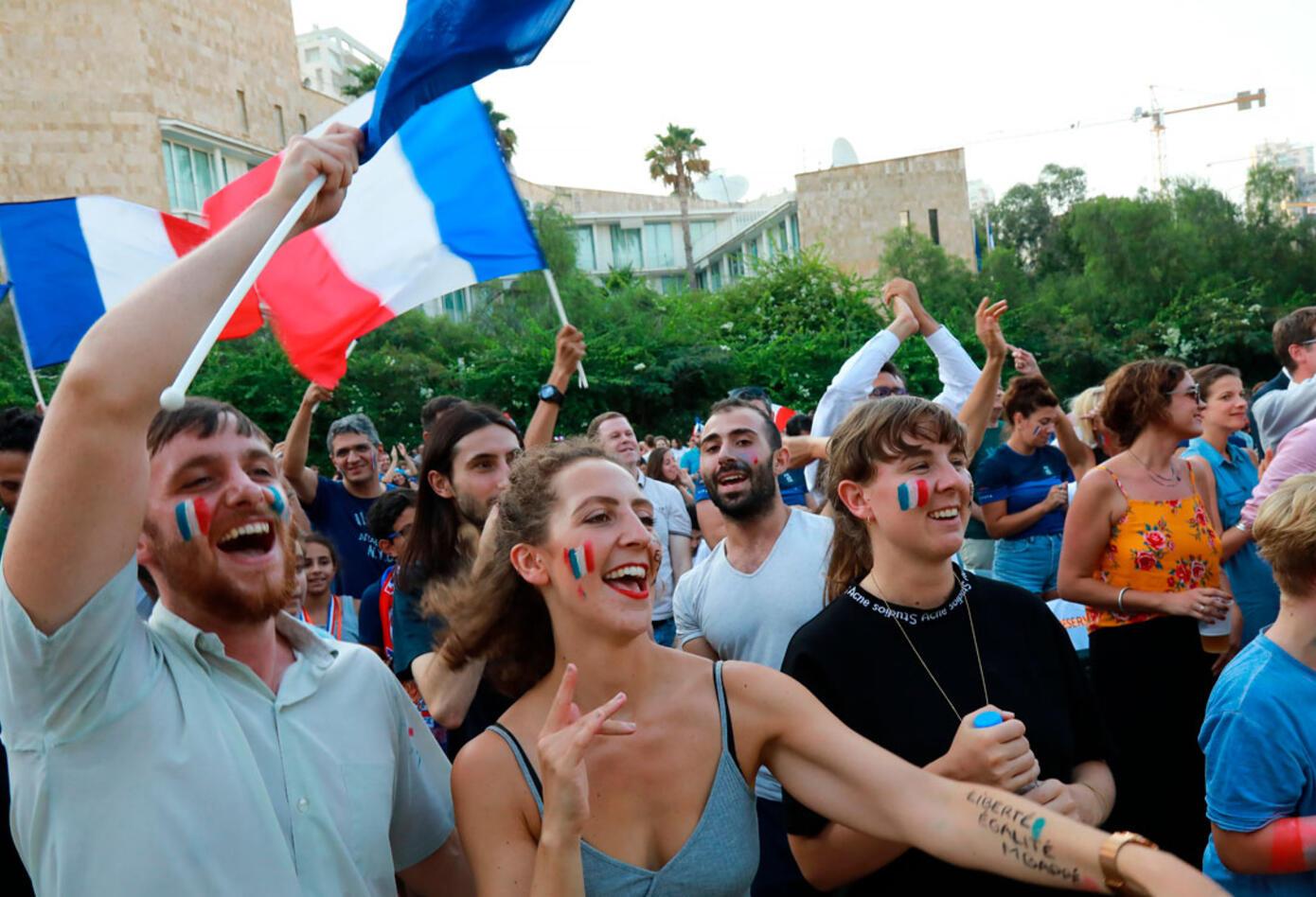 Aficionados de Francia en celebración por el título en el Mundial de Rusia 2018