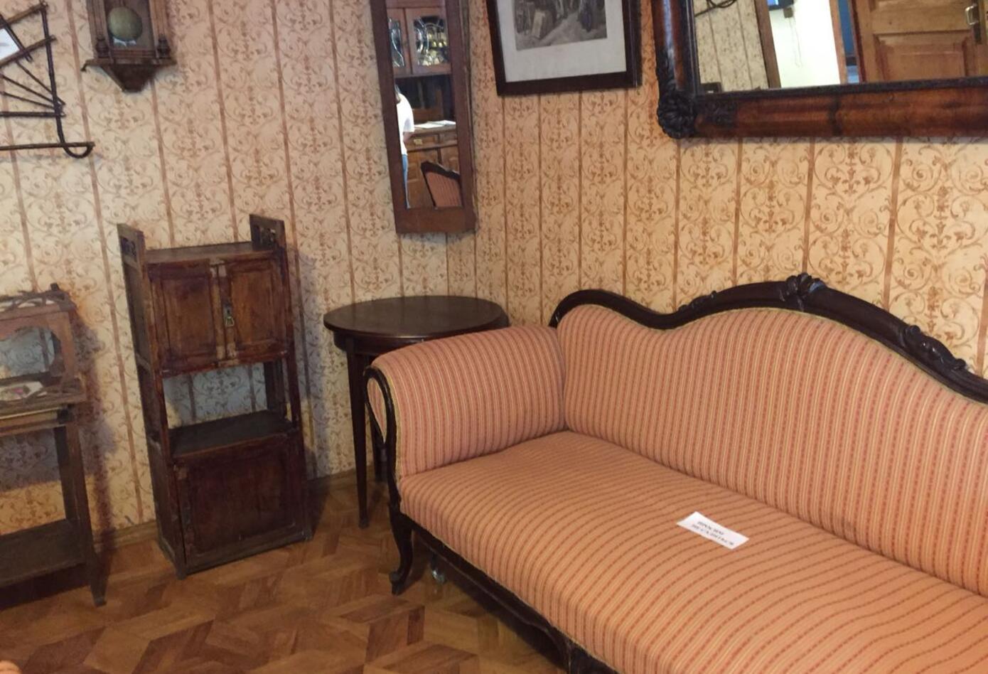 Los rincones, los espacios y el pasado de la vivienda de Mijaíl Bulgákov.
