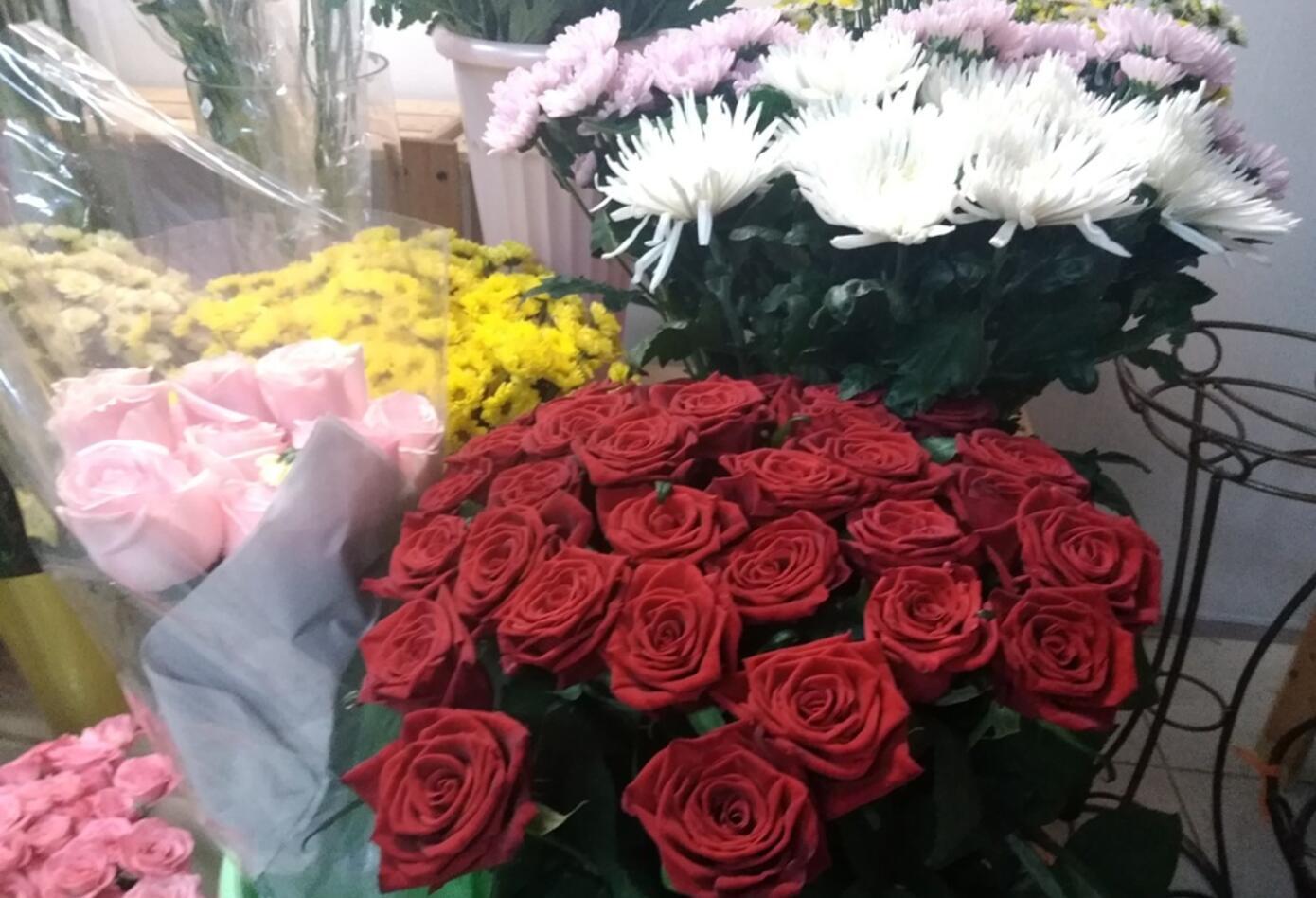 Más de 15 mil flores adornarán hoy la plaza de Bolívar.