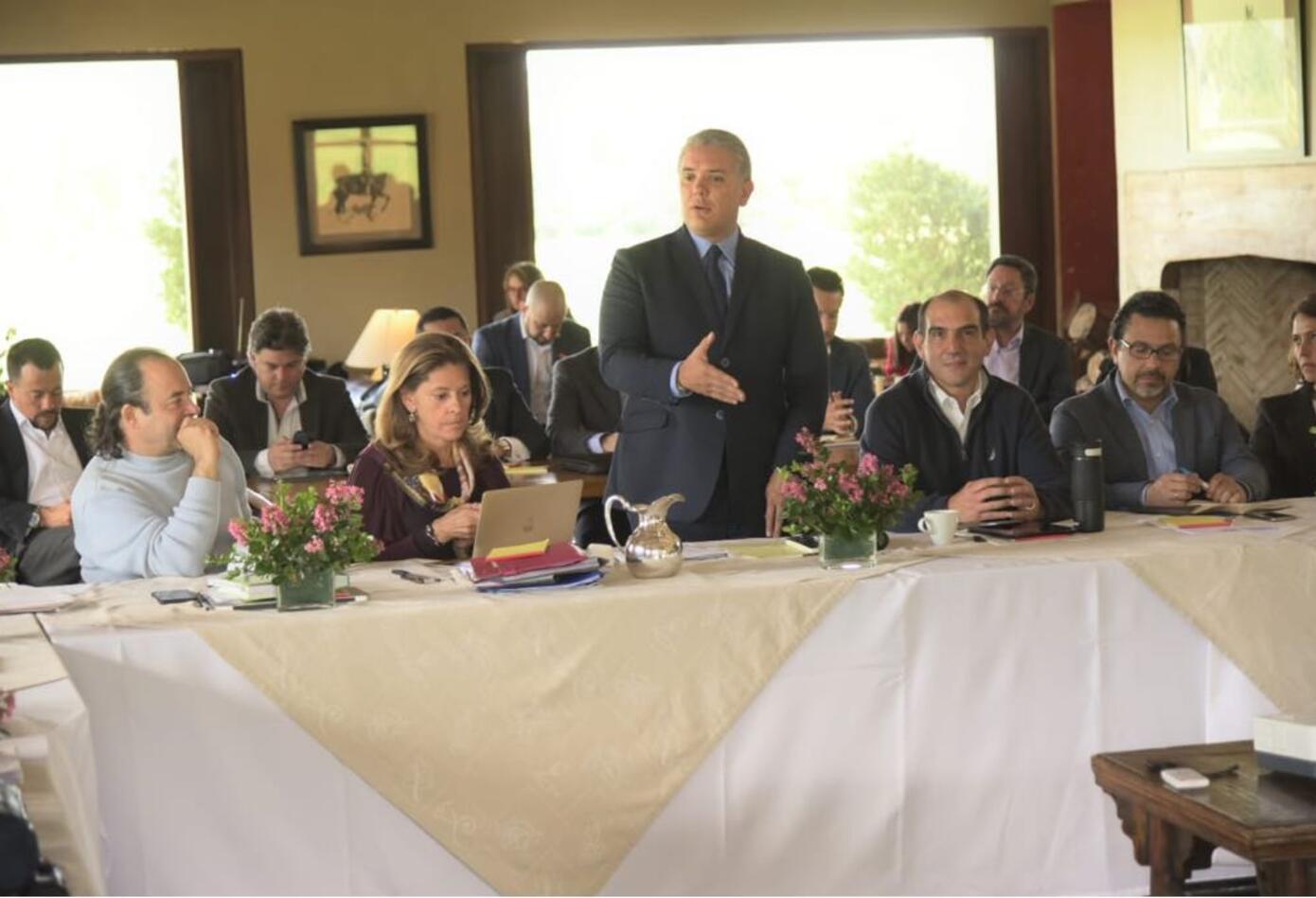 Presidente Iván Duque reunido con sus ministros