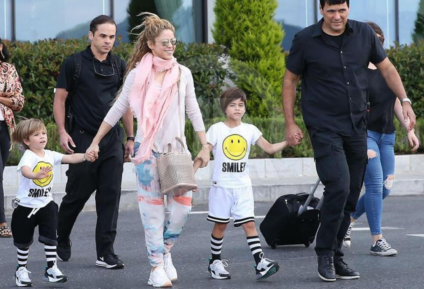 Shakira y sus hijos en Estambul