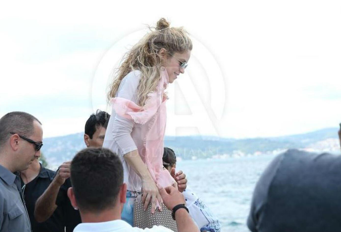 Shakira en yate en Estambul