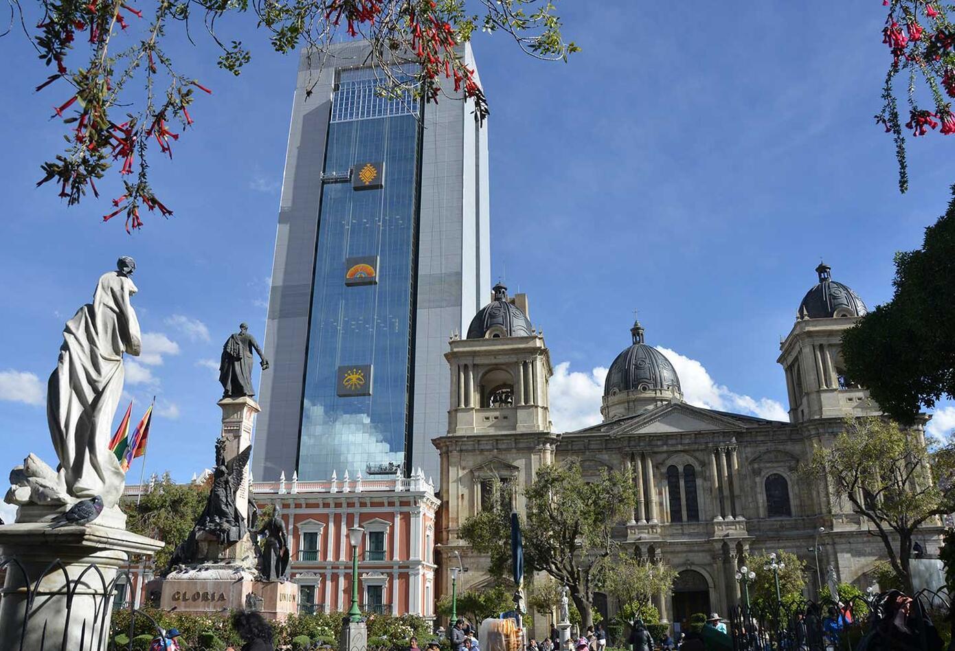 Lujos del nuevo nuevo edificio de gobierno de Bolivia crean polémica