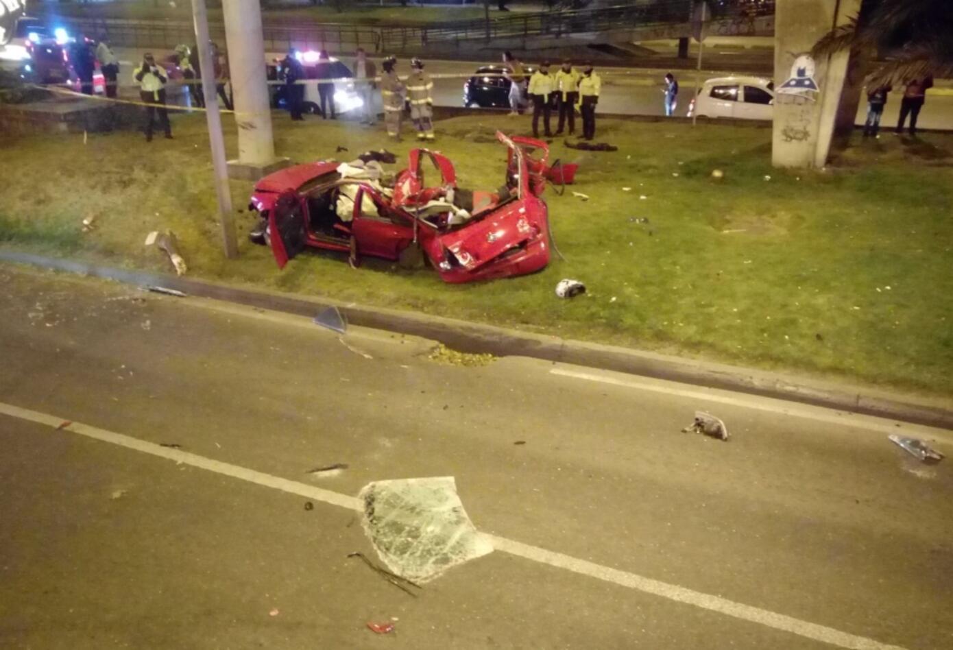 Accidente en la Autopista Norte en el que murieron tres personas.