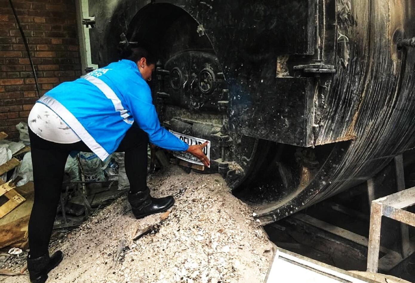 Cierran cinco industrias por contaminación de aire