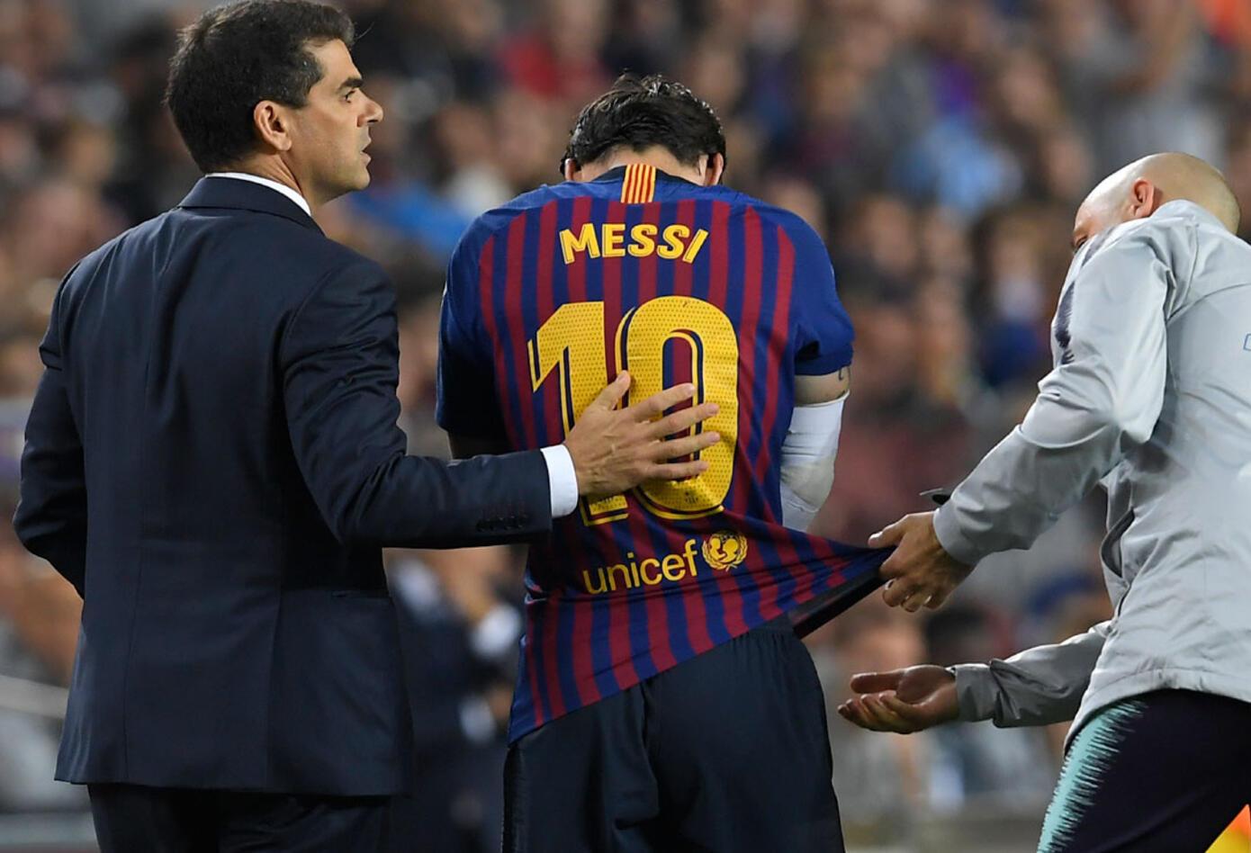 Messi y su fastidio por la lesión sufrida en el partido donde Barcelona recibió al Sevilla