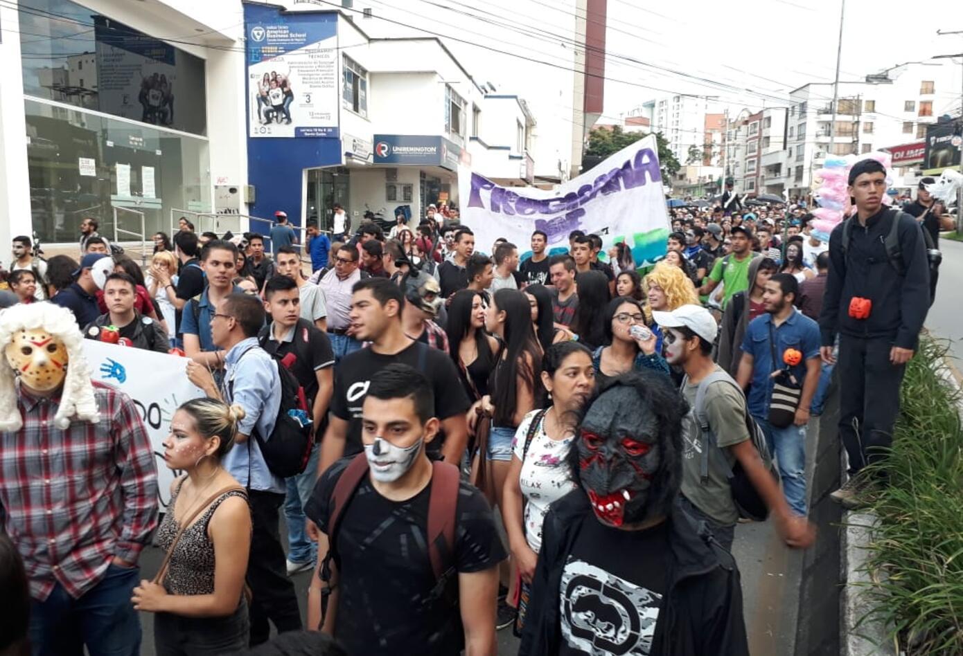 Marcha zombie en Armenia.