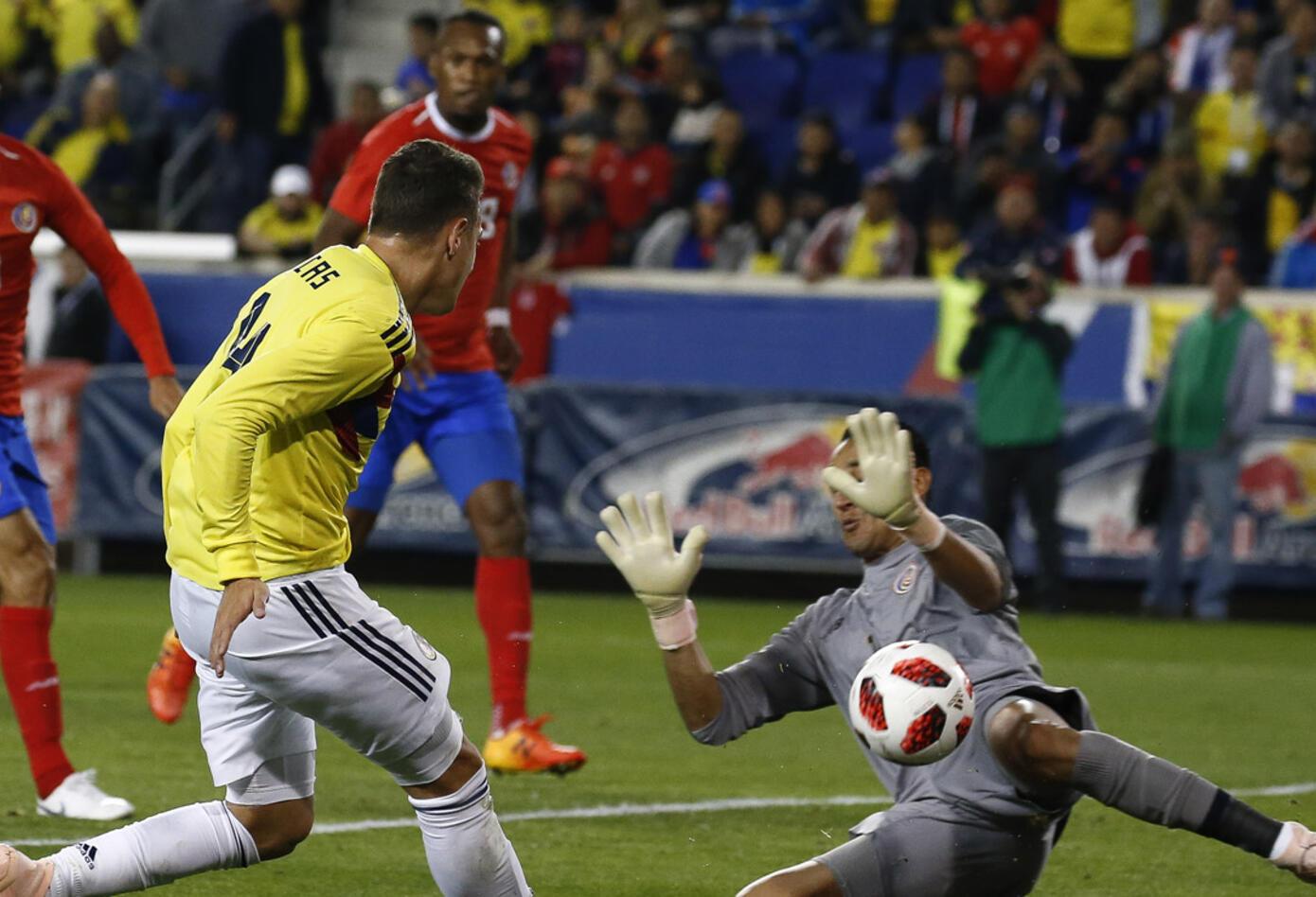 Jugadores de Colombia en partido ante Costa Rica