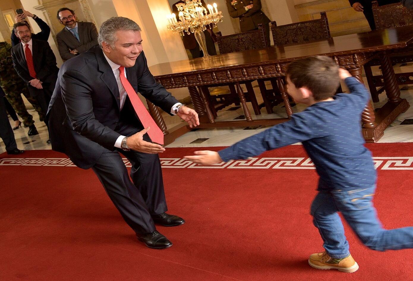 Cristo José Contreras, quien estuvo secuestrado seis días en el departamento de Norte de Santander, fue recibido este miércoles por el Presidente Iván Duque en la Casa de Nariño.