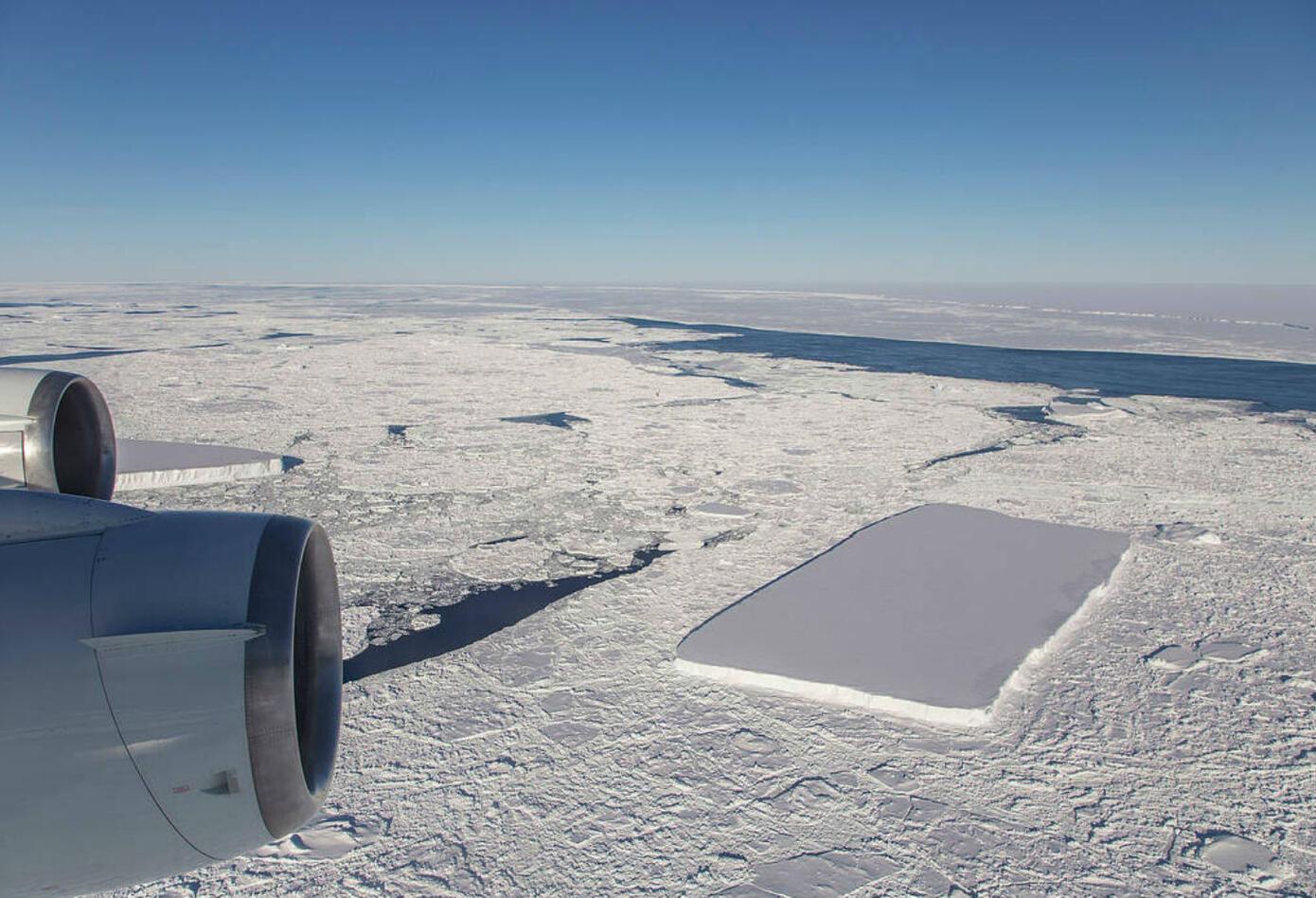 Según la NASA, el iceberg rectangular parecía haber surgido del glaciar Larsen C
