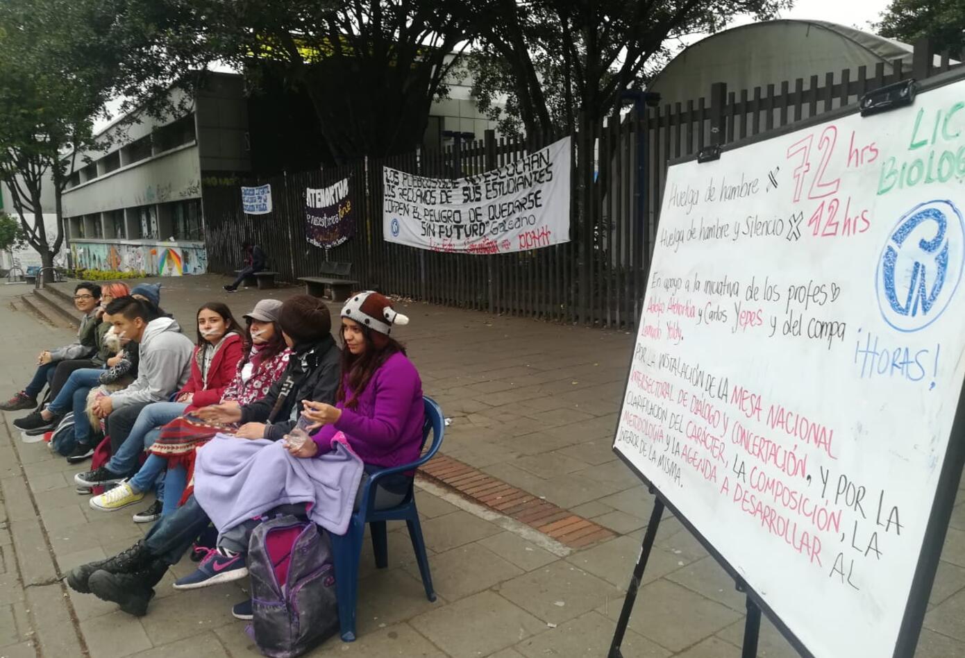 U. Pedagógica huelga hambre y palabra
