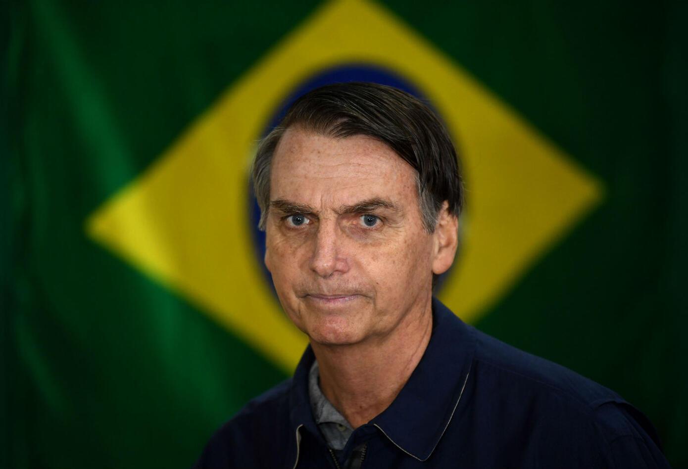 """Días atrás, en un encendido discurso, dio su """"pésame"""" a la """"prensa vendida"""", agradeció a sus seguidores porque """"están salvando nuestra patria"""" y dijo que el encarcelado expresidente Luiz Inácio Lula da Silva """"va a pudrirse en prisión""""."""