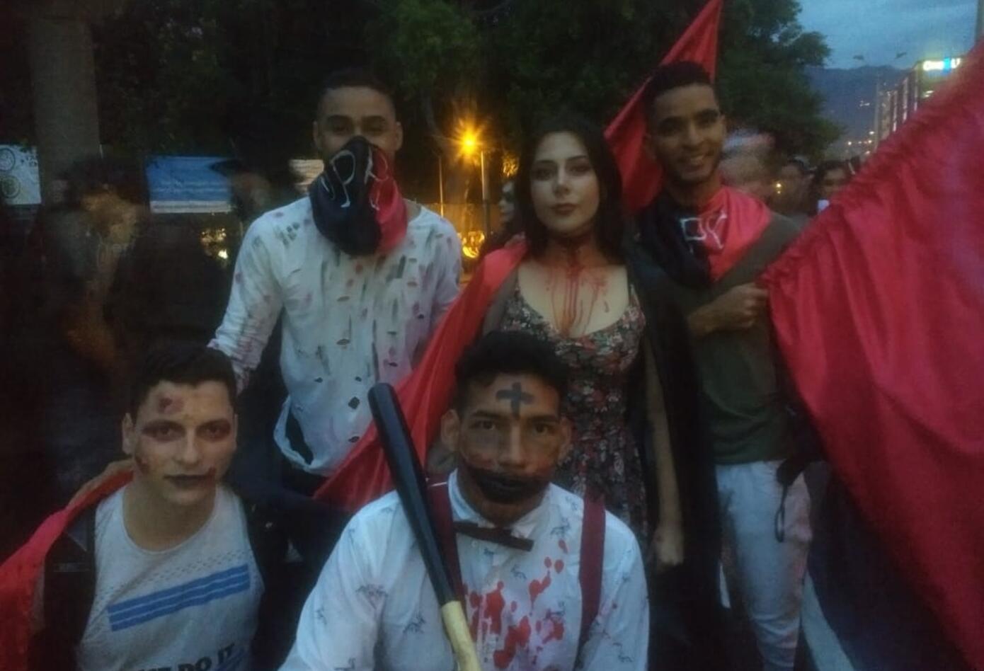 Marcha zombie en Medellín.