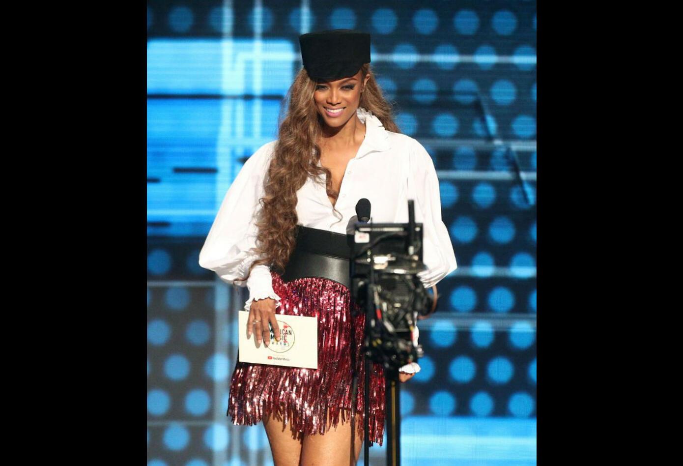 Tyra Banks en los American Music Awards