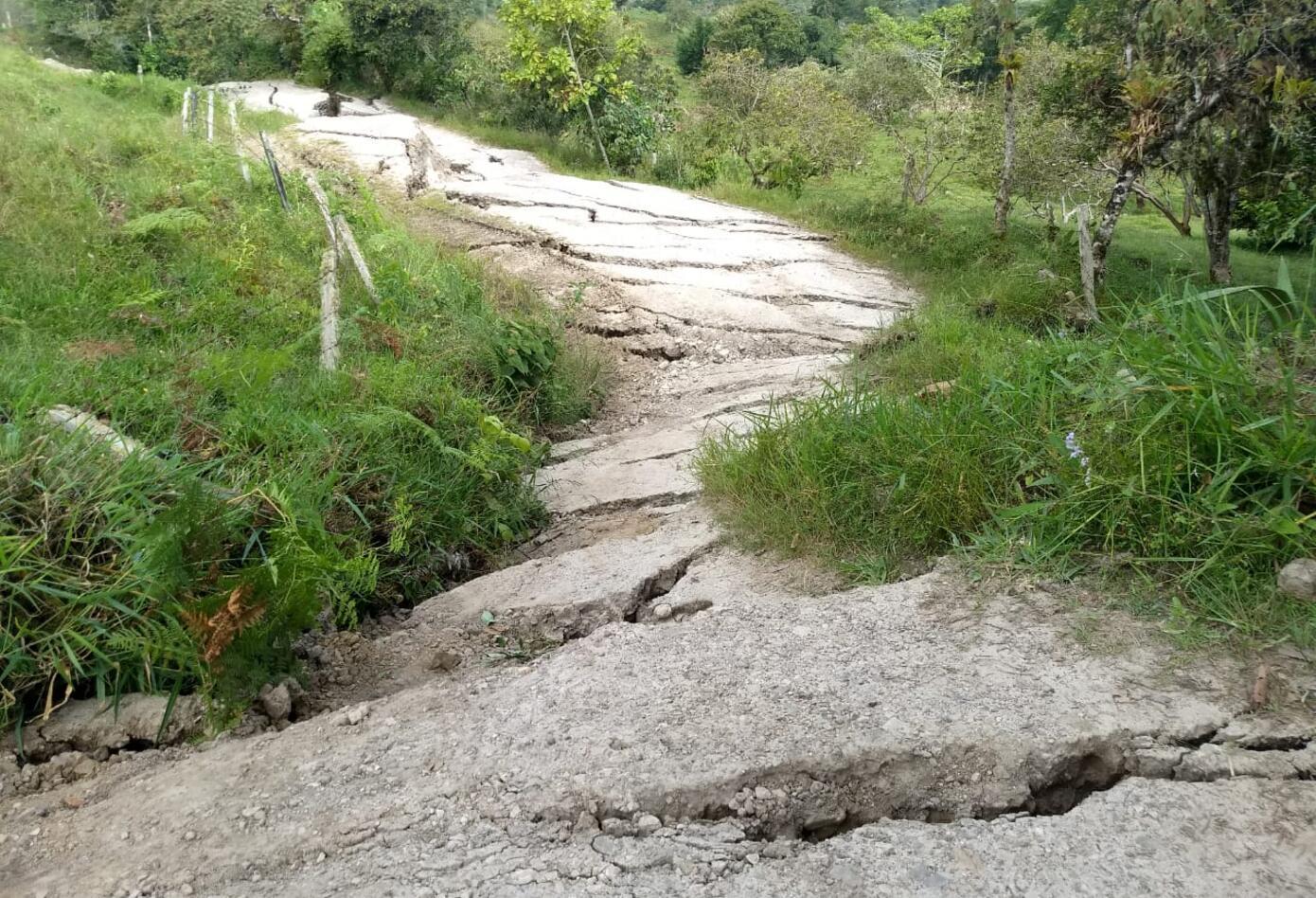 Las vías de acceso al municipio de San Eduardo.
