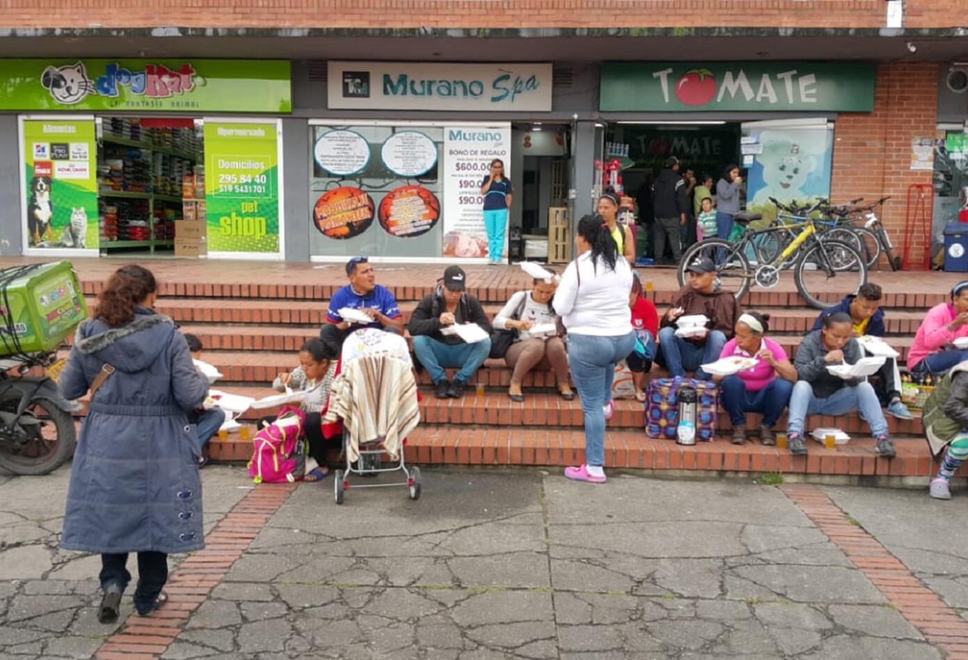 El panorama en varias zonas de Bogotá no es el más alentador por los venezolanos deambulando en medio del frío y el hambre.