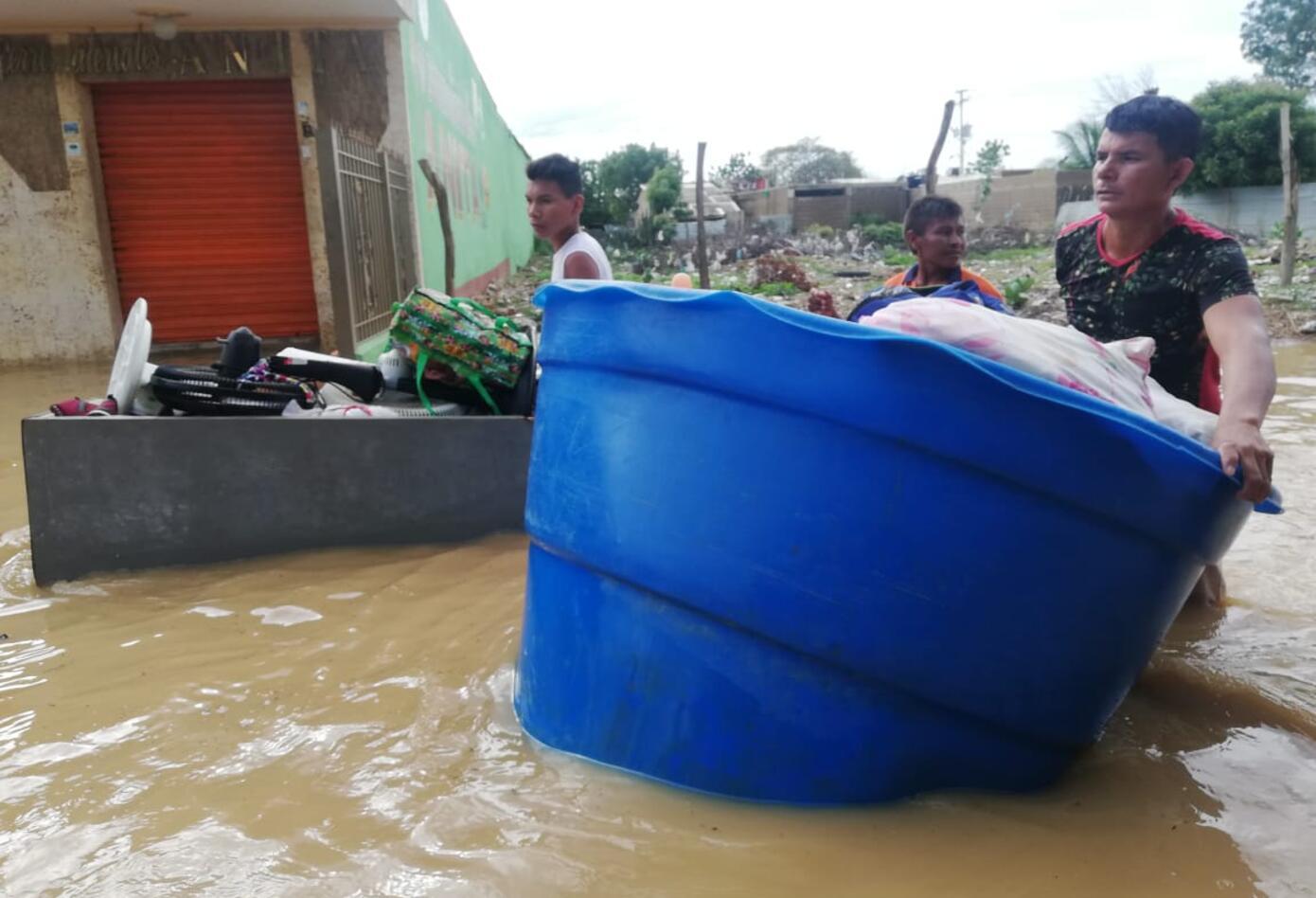 Cientos de familias en Uribia lo perdieron todo.