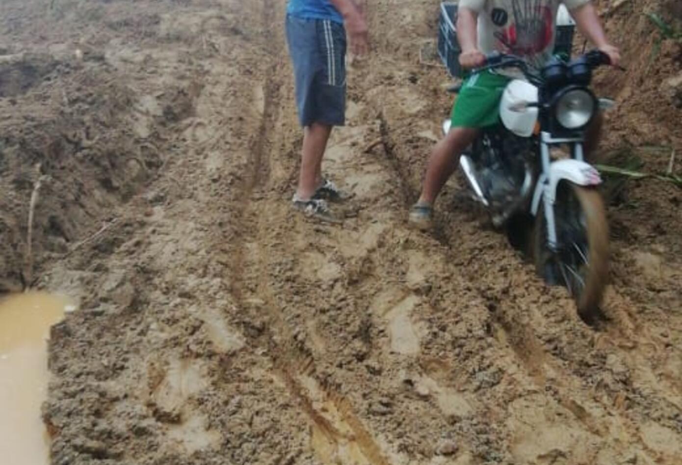 Dos derrumbes cayeron en San Luis, Antioquia, afectando la autopista Medellín-Bogotá