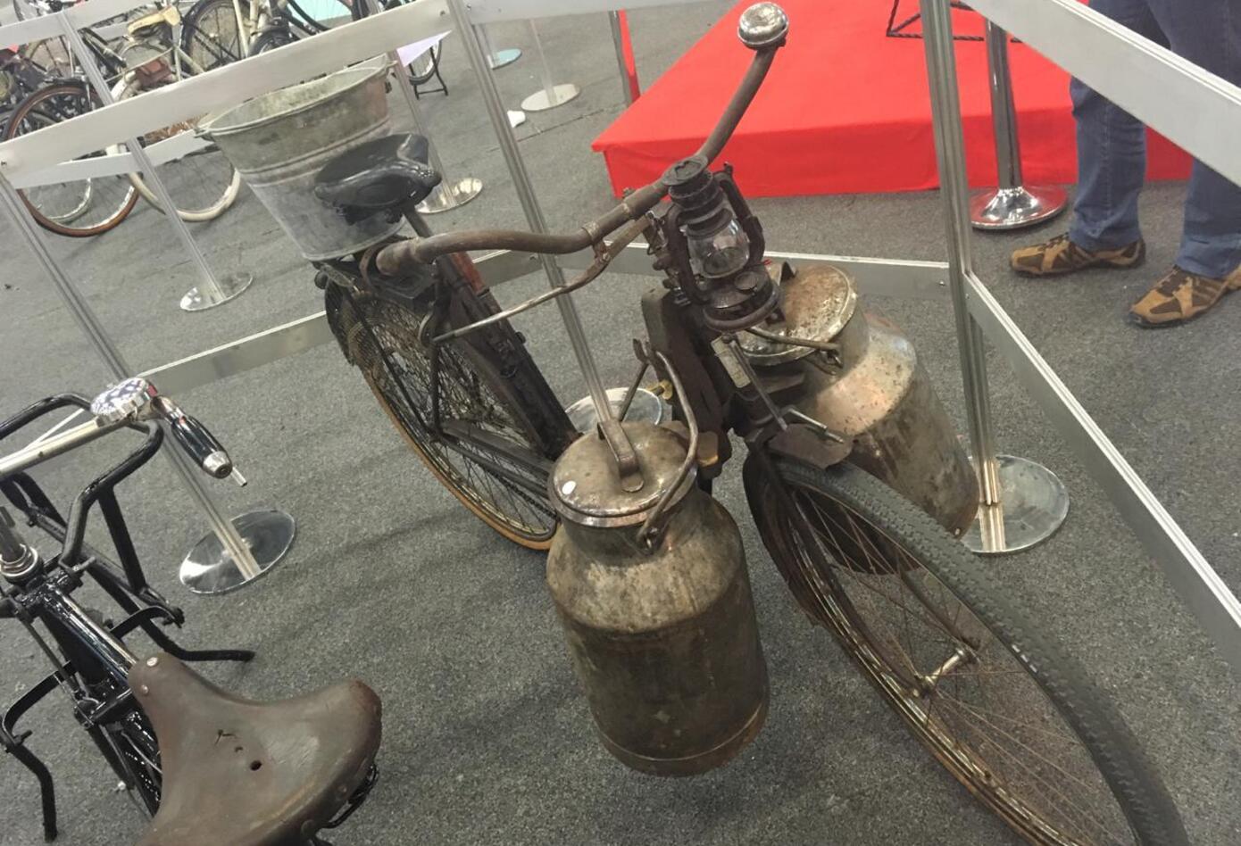 Bicicleta usada por mujeres en el siglo XX.