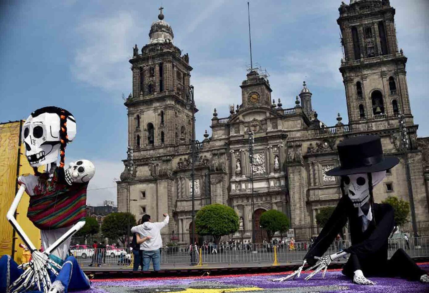 La película 'Coco' conmemora dentro de sus personajes a figuras mexicanas como Frida Khalo y Pedro Infante.