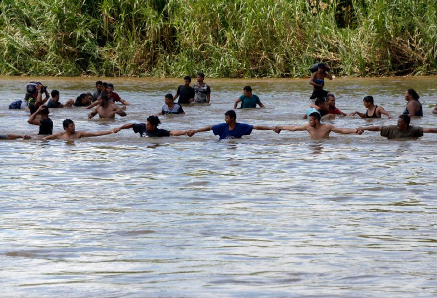 Desde Honduras y México cientos de ciudadanos han emprendido una travesía incierta