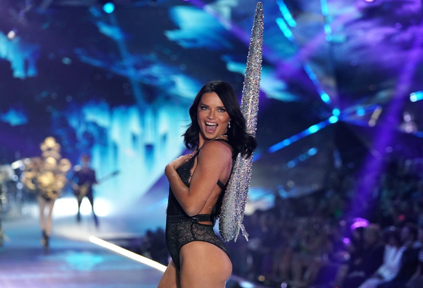 Último desfile de Adriana Lima para Victoria's Secret