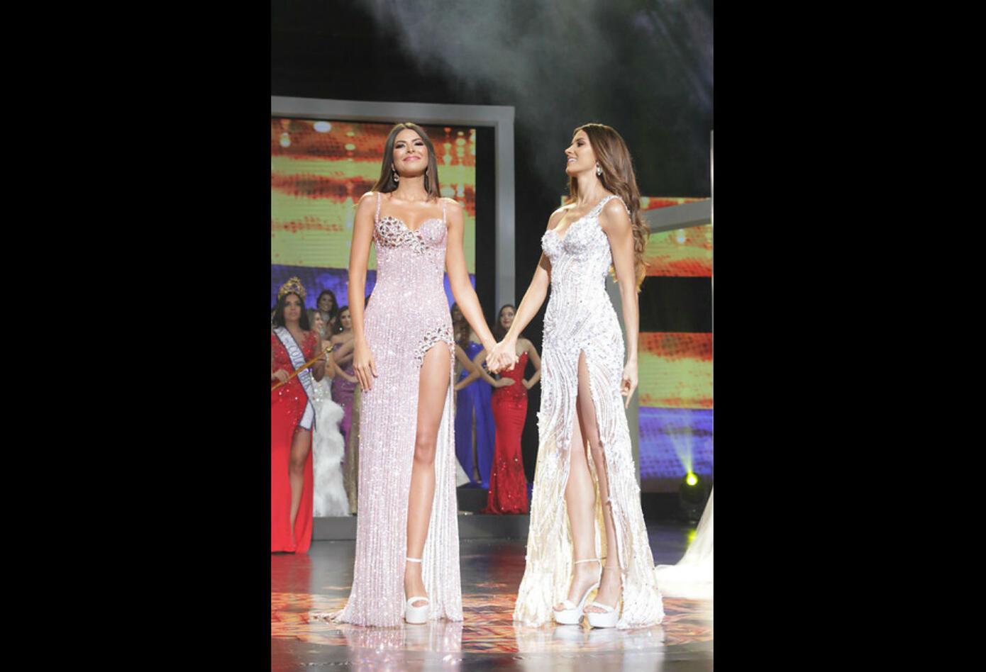 Gabriela Tafur y Laura Olascuaga en la final de Señorita Colombia