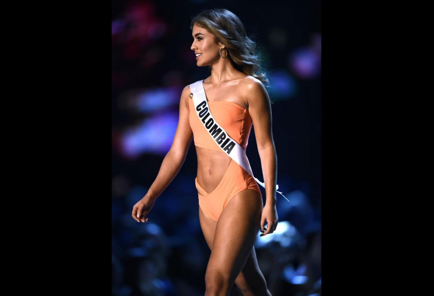 Desfile en traje de baño de Miss Colombia, Valeria Morales en Miss Universo 2018
