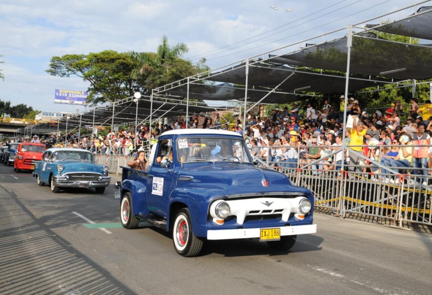 Más de 250 vehículos participaron