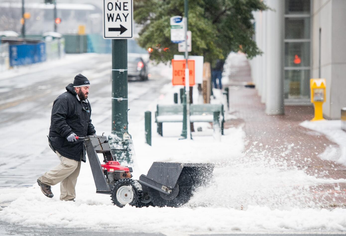 El menos cuatro personas han muerto como consecuencia de la fuerte tormenta.