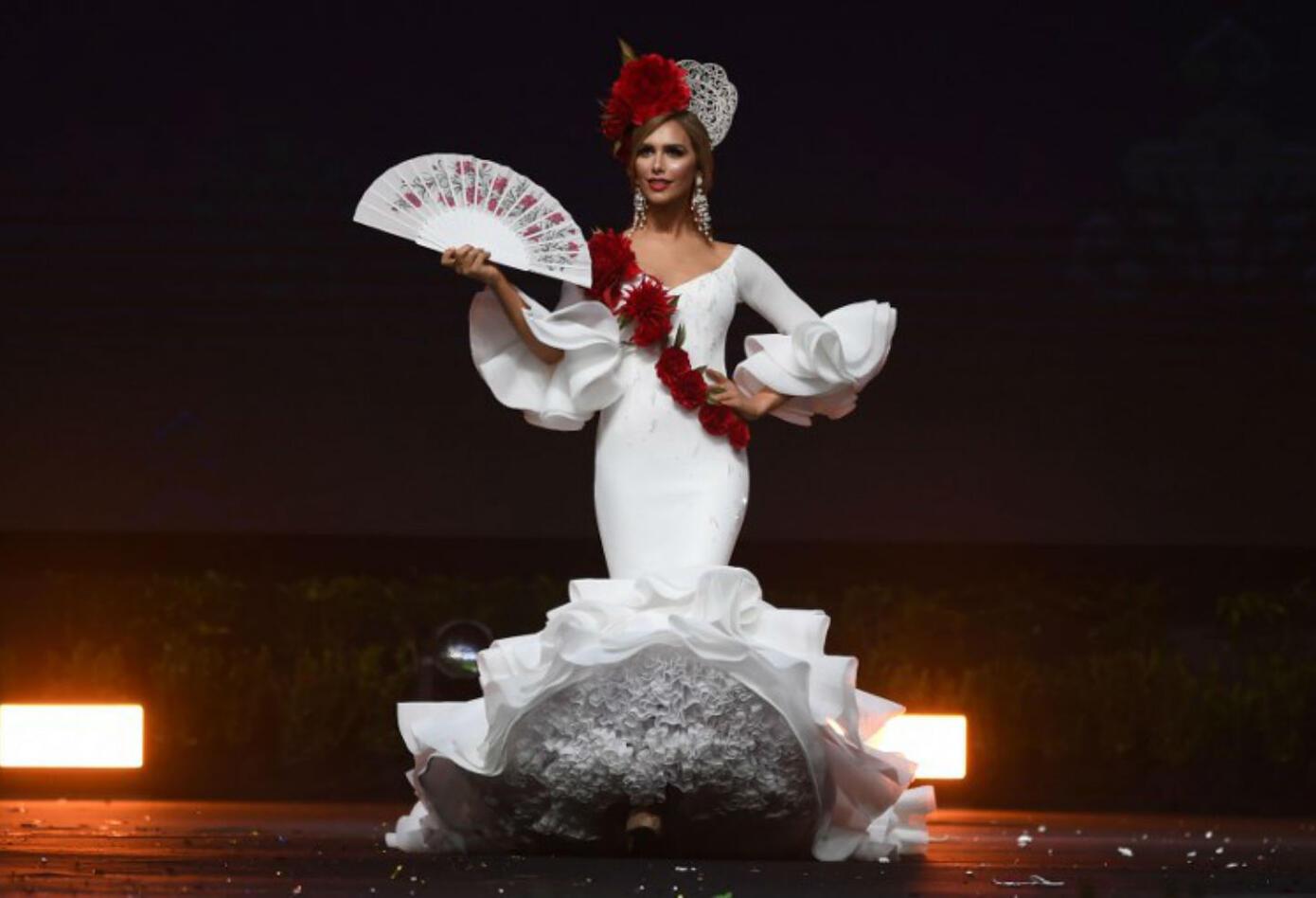 Traje típico de Angela Ponce, Miss España, en Miss Universo 2018