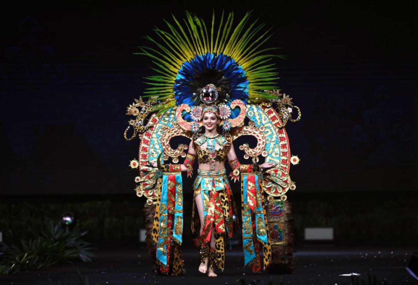 Traje típico de Andrea Toscano, Miss México.
