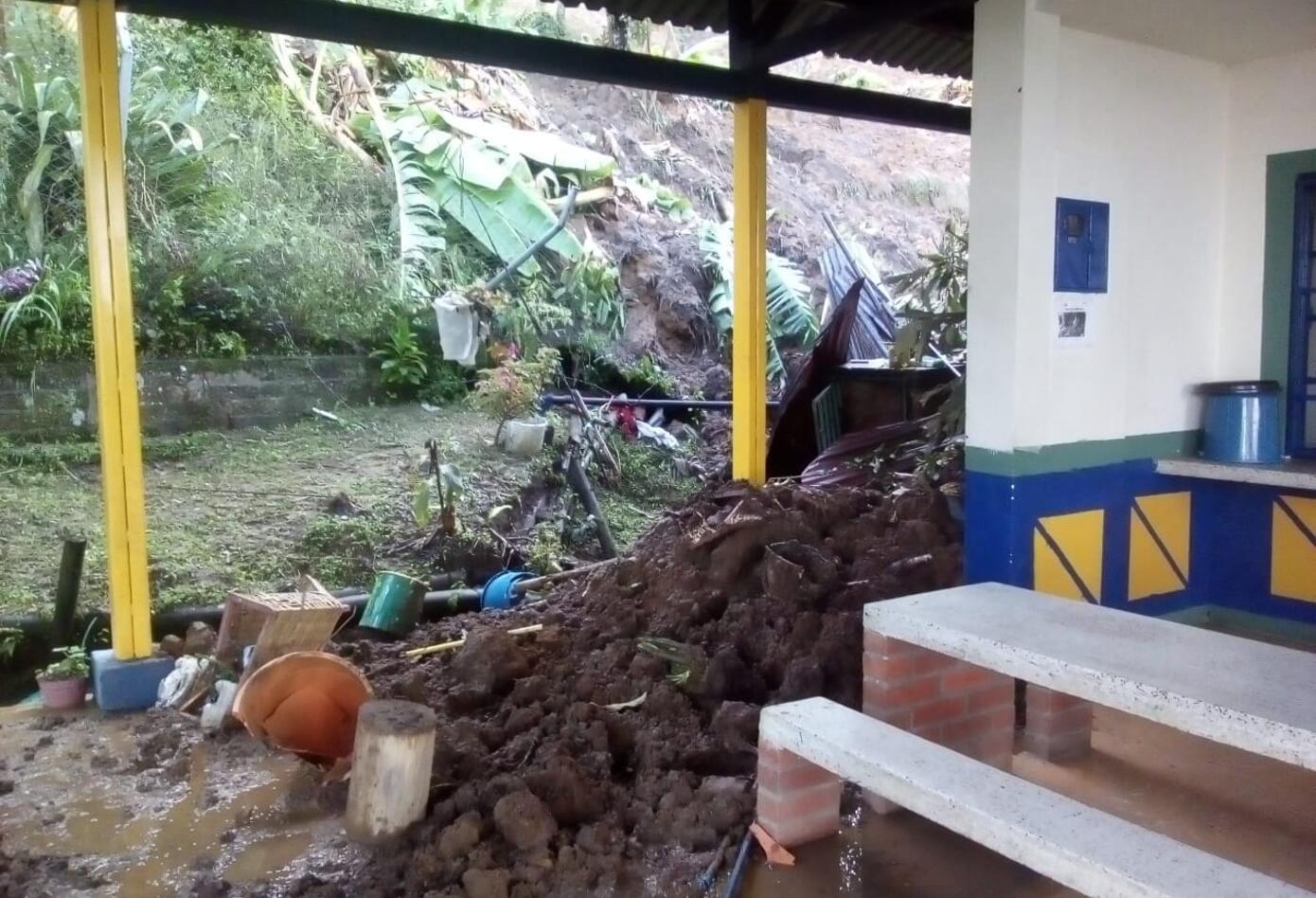 Tragedia en escuela de Calarcá (Quindío) 8