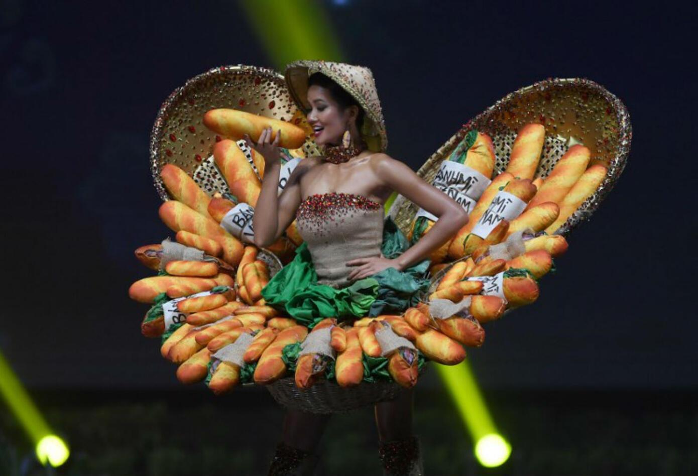Traje típico de H'Hen Niê, Miss Vietnam