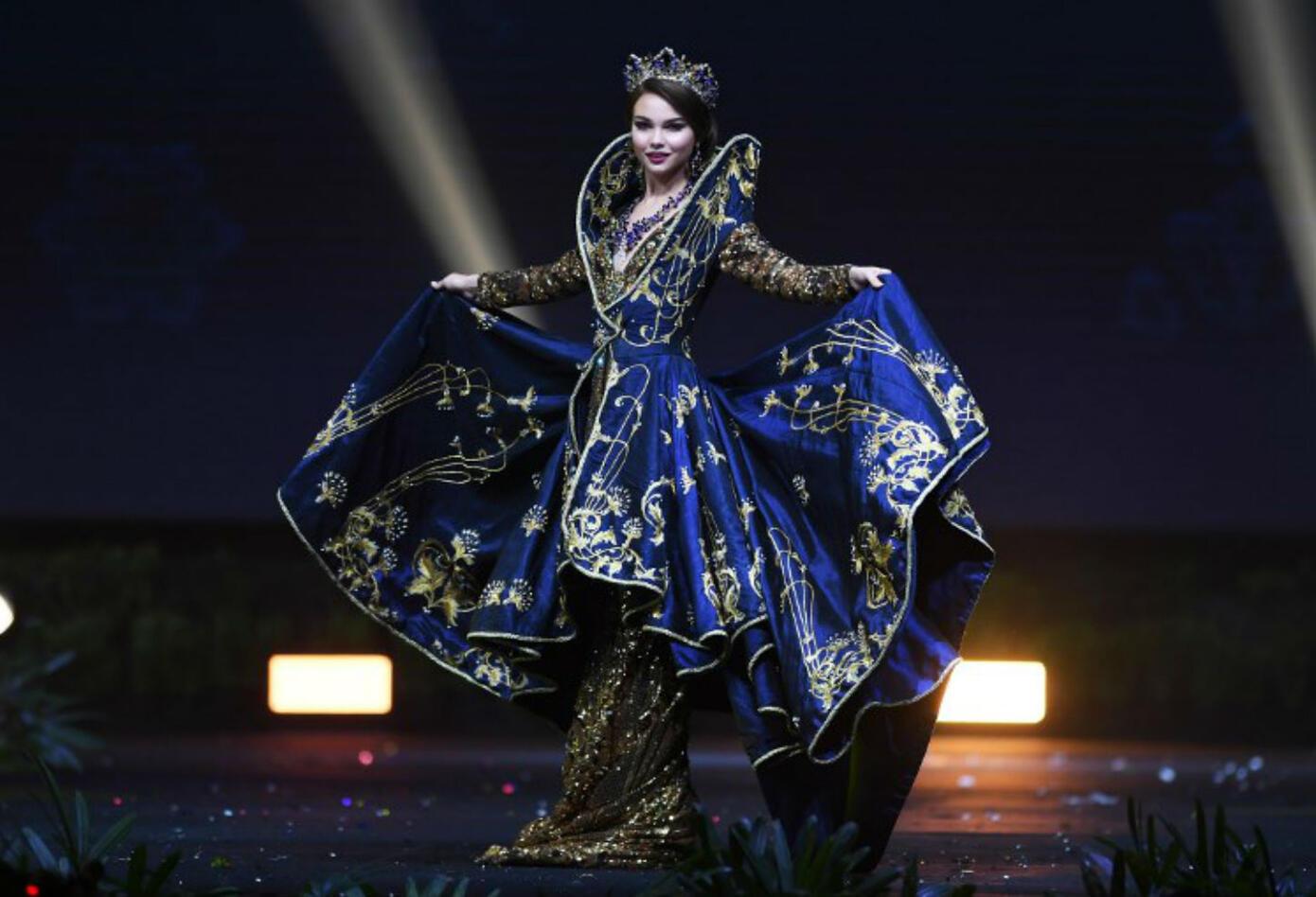 Traje típico de Yulia Polyachikhina, Miss Rusia