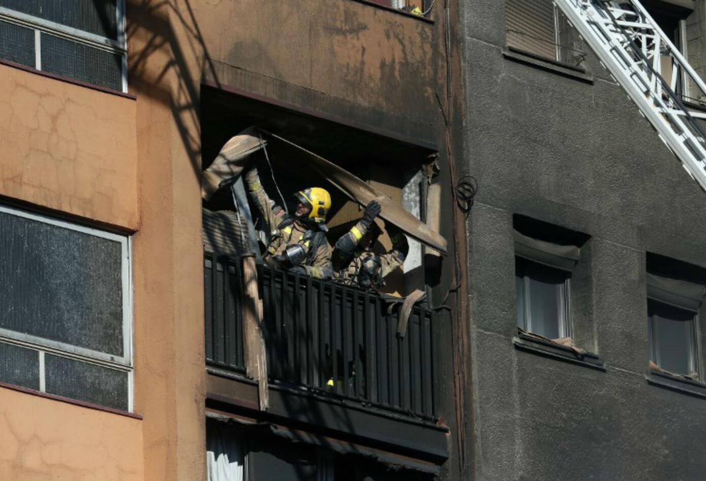 Incendio en bloque de apartamentos en Badalona
