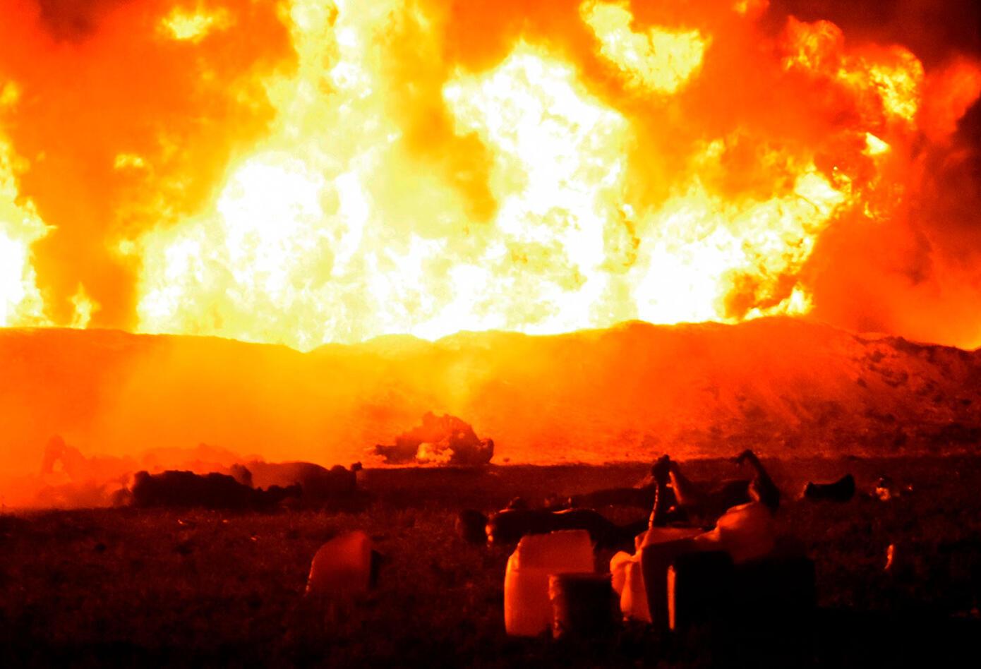 Explosión en México en robo de combustibles deja casi 30 muertos.