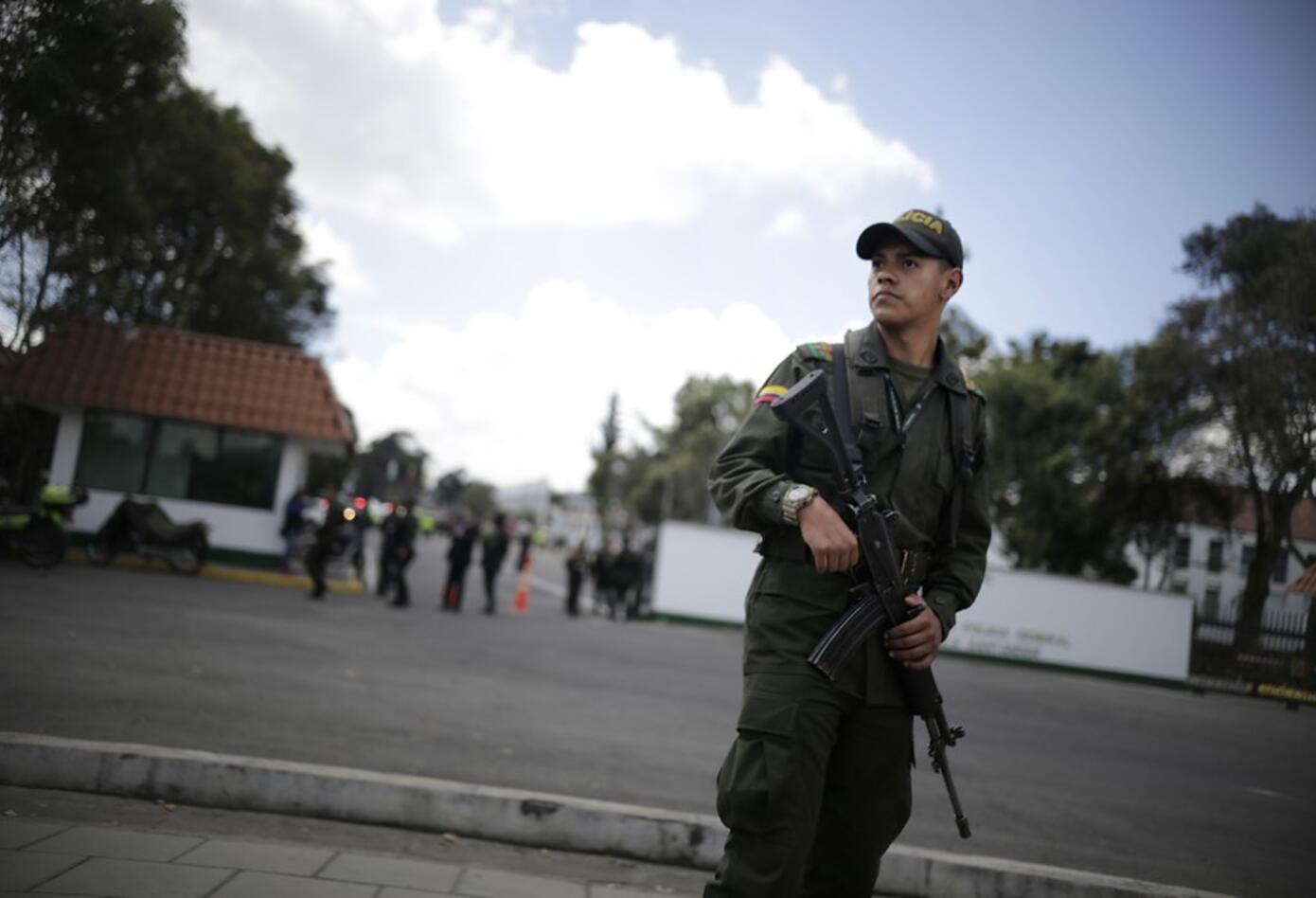 Luego del atentado aumentaron las medidas de seguridad en la Escuela General Santander.
