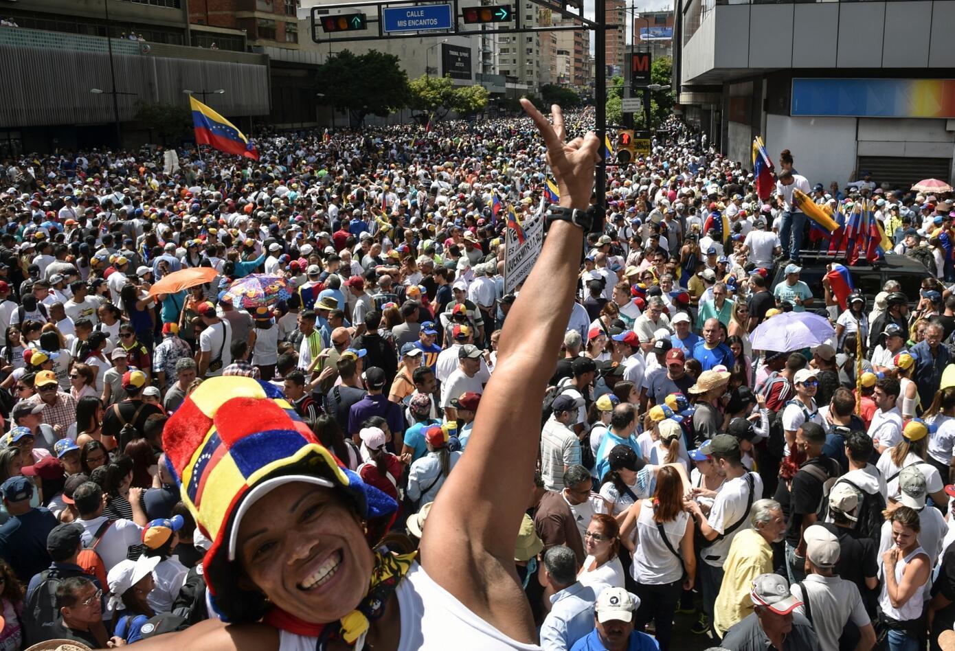 Varios ciudadanos celebraron que Juan Guaidó se proclamara presidente interino.