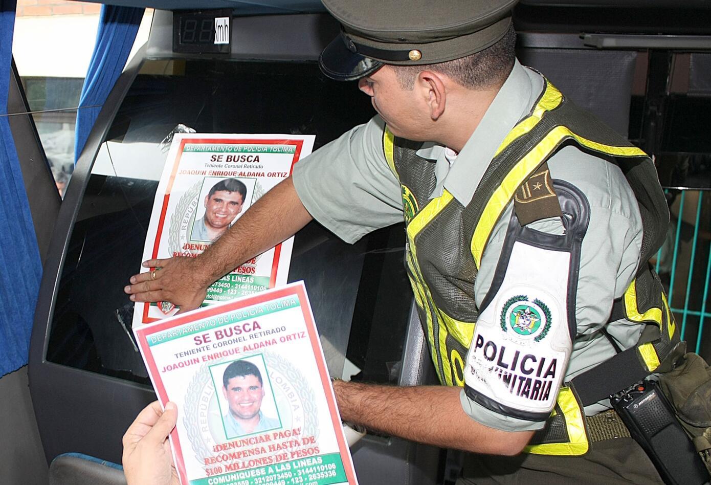 Con más de 10.000 volantes, la Policía intensificó en su momento la búsqueda del coronel Joaquín Aldana al ser acusado del asesinato de Erika Cecilia Yeneris.