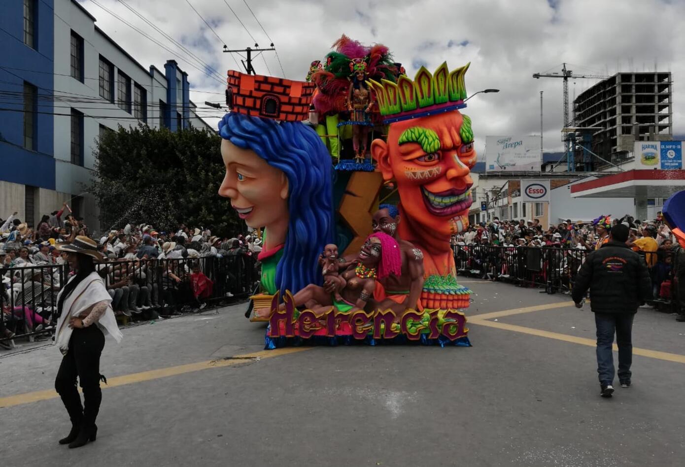 Las Carrozas hicieron las delicias de los asistentes a la senda del Carnaval