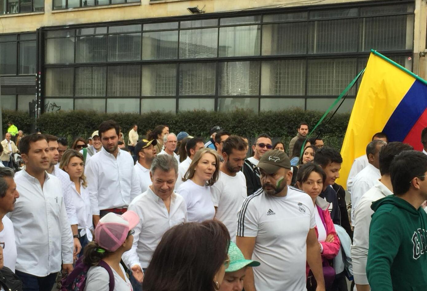 El expresidente Juan Manuel Santos y su familia se unieron en la marcha contra el terrorismo.