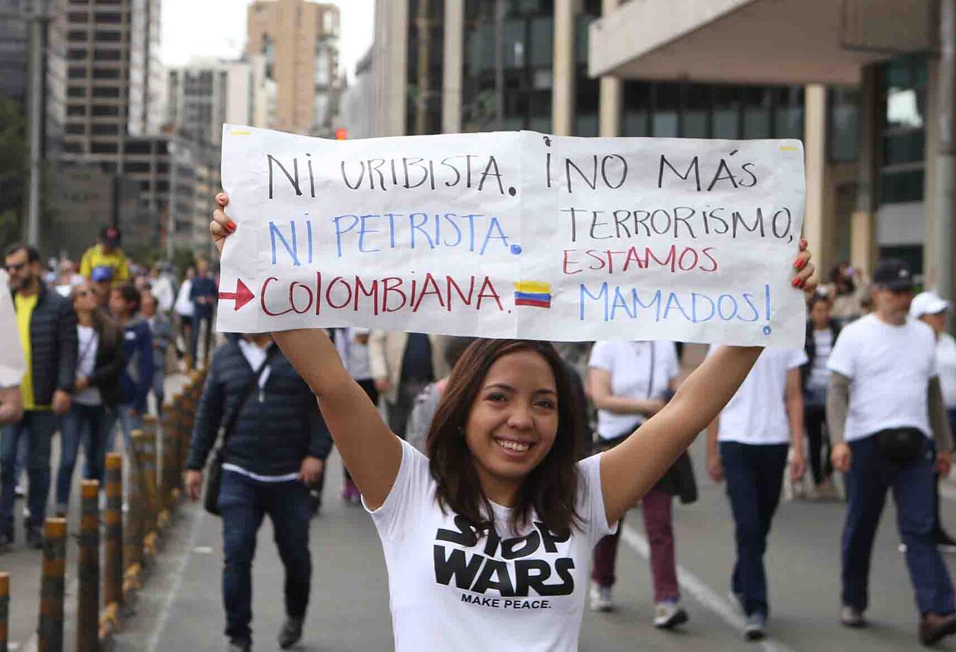 La consigna era clara: sin importar el color político se le dice NO al terrorismo.