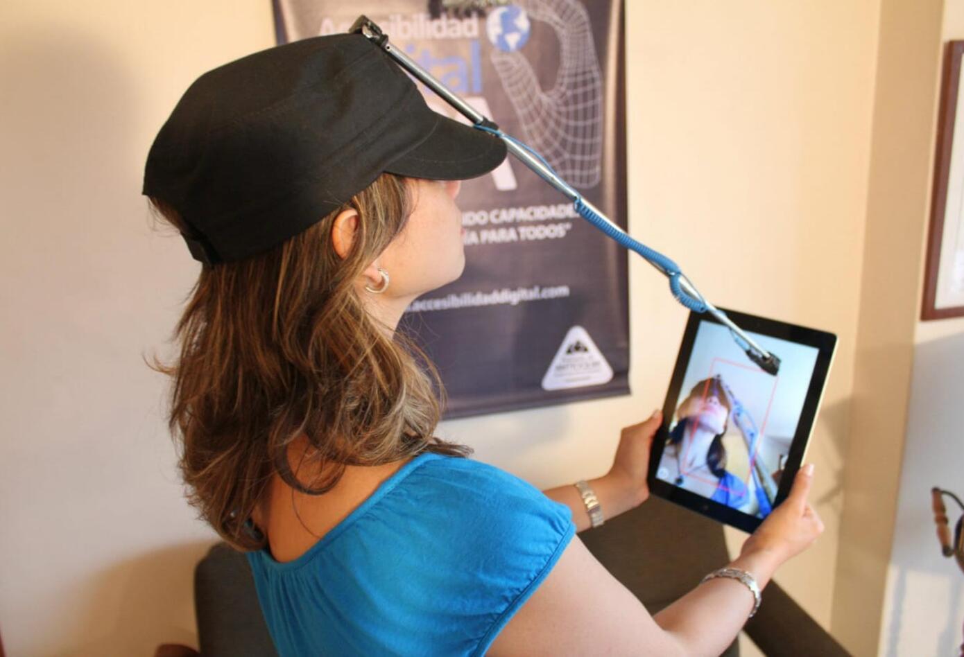 Puntero para tablet accesible para personas sin miembros superiores
